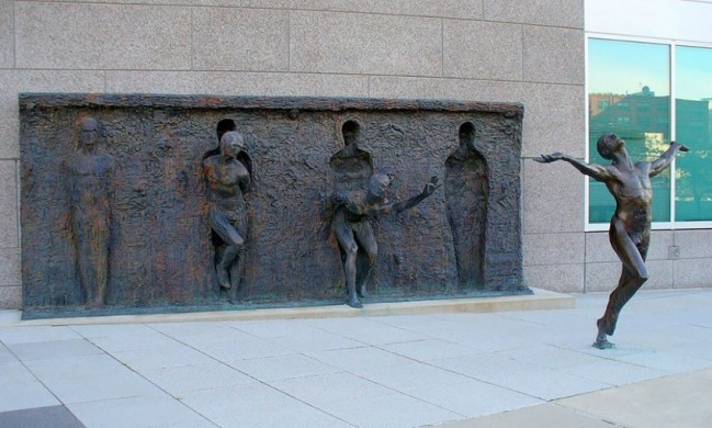 Age of America 3 Ancient Saturn and the Naked Youth-Zenos-Frudakis-Philadelphia-Pennsylvania-USA-